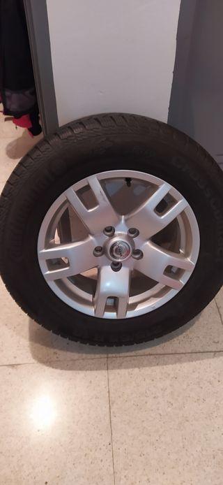 llantas y neumáticos Nissan xtrail