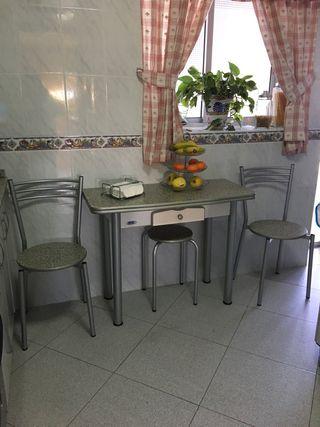 Juego mesa y sillas cocina