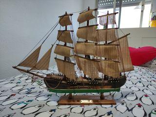 Maqueta de barco de madera. Fragata Siglo XVIII