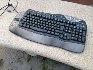 Impresora hp + teclado + altavoces
