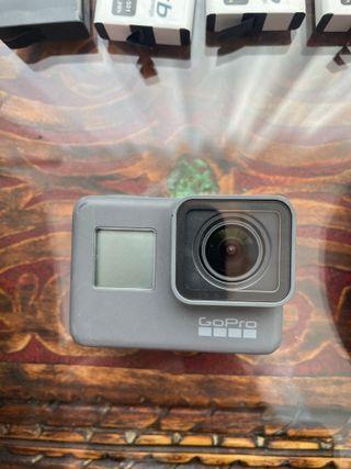 Cámara GoPro Hero5 + Adventure Gadgets
