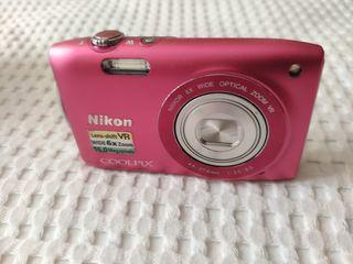 Cámara Nikon+ Carcasa buceo