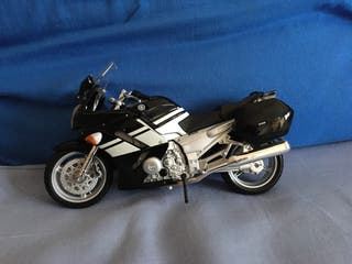 Maqueta Yamaha FJR 1300 Moisto