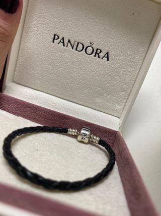 Pulsera cuero negra Pandora