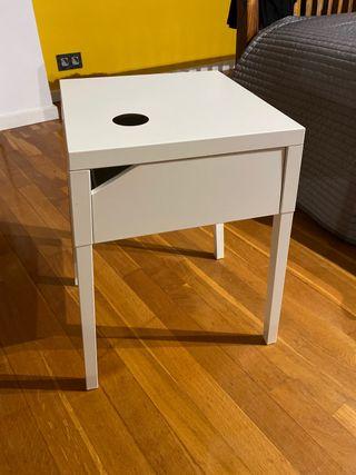 MESITA DE NOCHE IKEA