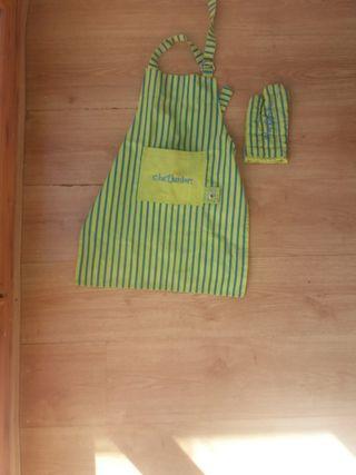 Delantal y guante cocina