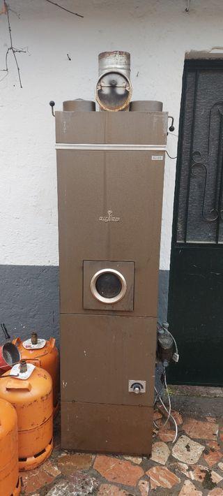Se vende caldera de calefacción antigua