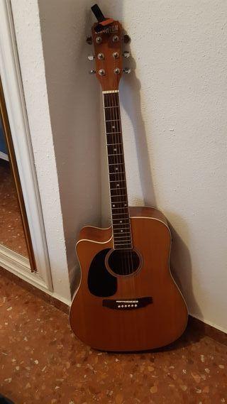 Guitarra electroacústica zurda