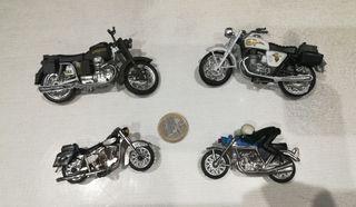 Lote de motos antiguas de metal