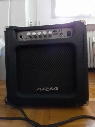 Amplificador de bajo Aria