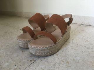 Sandalias de ante marrones