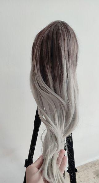 Peluca gris