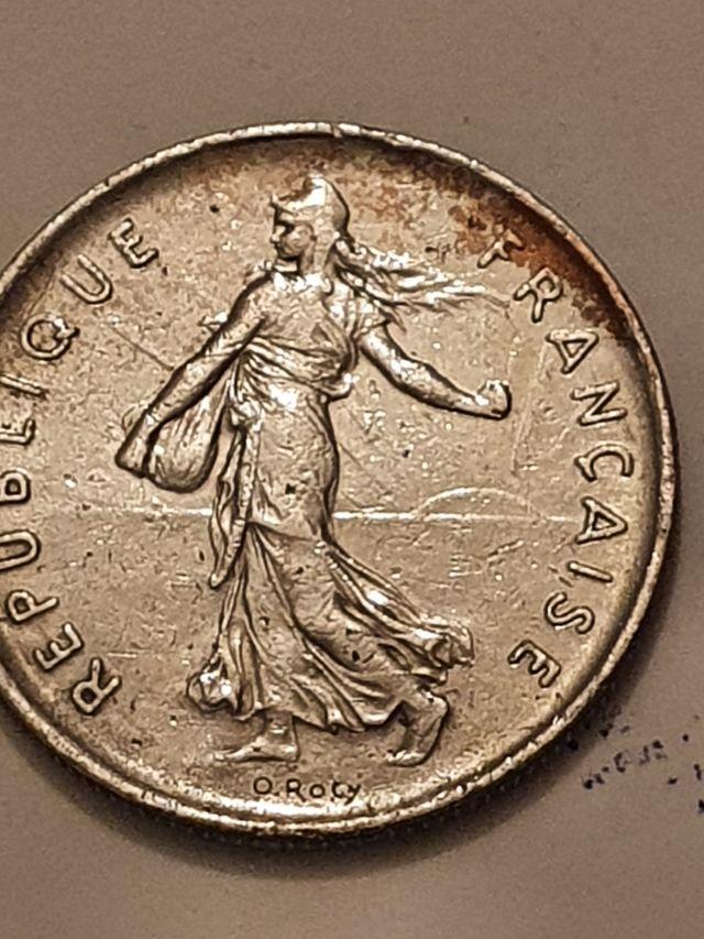 5 franc coin .year 1972.France