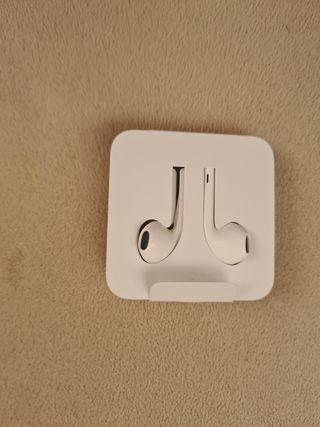 Auriculares Apple iPhone con adaptador