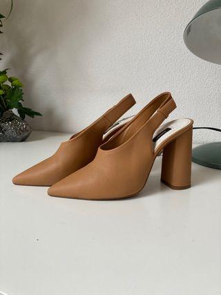 Zapatos tacón mango beige piel