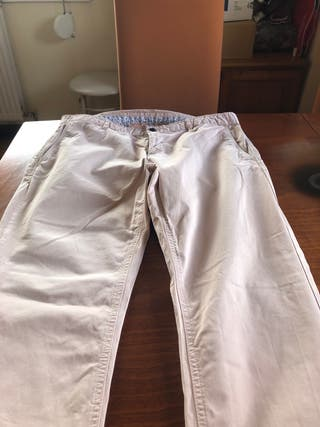 Pantalón vestir color crema hombre