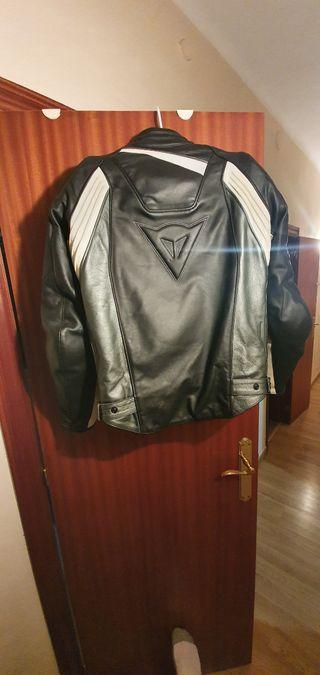 chaqueta de cuero dainese