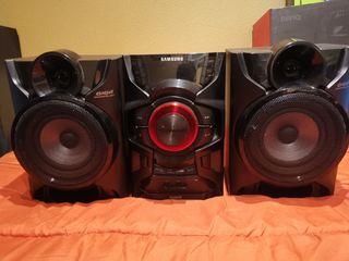 Equipo de sonido y altavoces 230w Samsung MX-H630