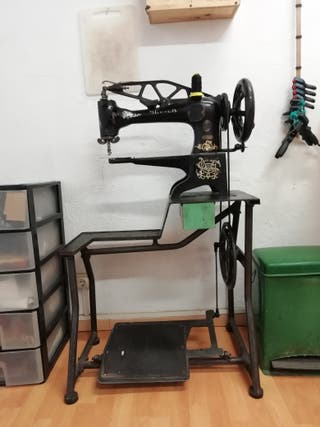 Maquina de coser zapatero Singer 29k 1