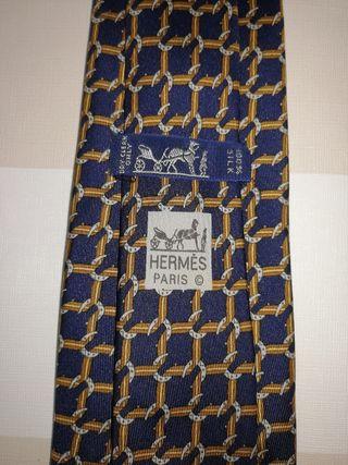 corbata Hermes sin estrenar herradura