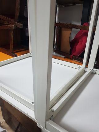 mesas con patas metálicas