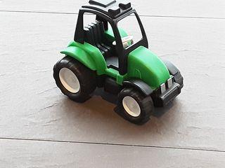 Tractor verde niños pequeños