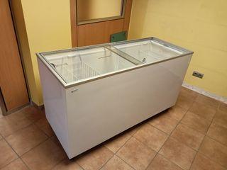 Congelador Arcon con Tapa cristal de 392 litros