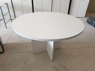 Mesa redonda reuniones o despacho