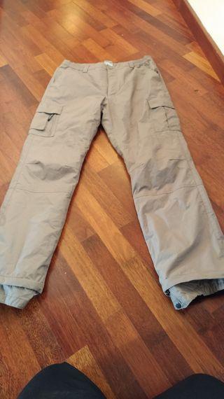 Pantalones treking