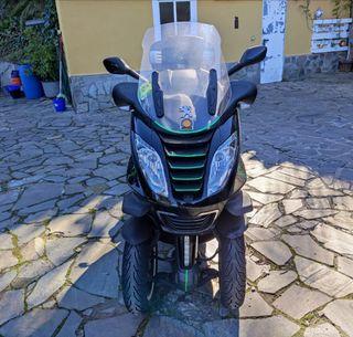 Moto Peugeot Metropolis 400