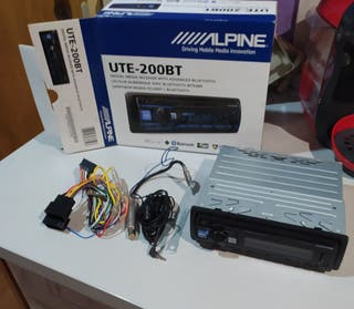 radio cassette UTE-200BT ALPINE