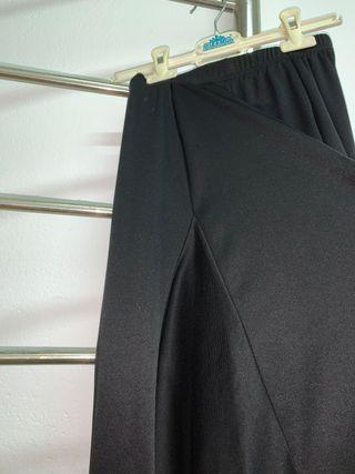 Falda sevillana negra