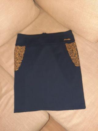 Falda de Piel de Toro( marca sevillana)