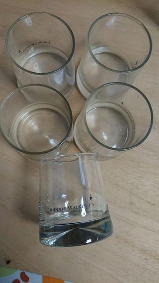 5 vasos de whiskey johnny walker