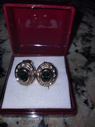 pendientes oro y esmeraldas