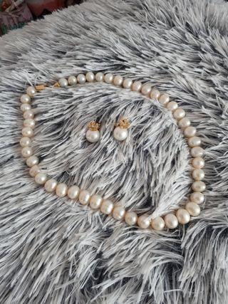 Collar y pendientes perlas