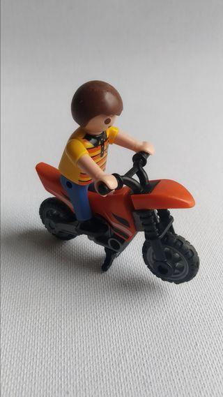 Playmobil - niño con moto