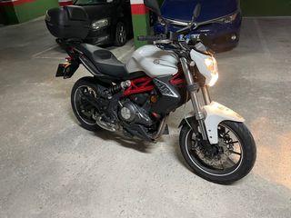 Moto Benelli 302 naked