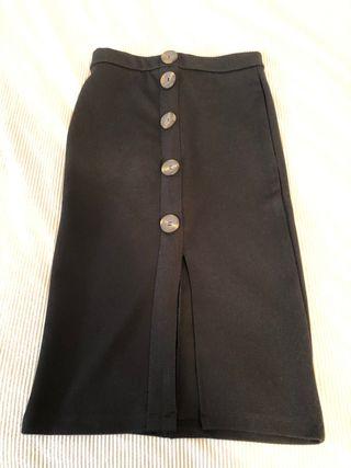 Falda ajustada negra con botones