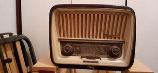 Radio antigua TELEFUNKEN Sonata