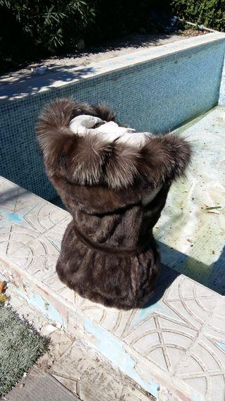 Chaleco de lomos de vison capucha y zorro arxante