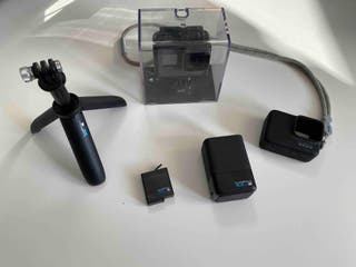 GoPro Hero6 + Cargador de Bateria y Trípode