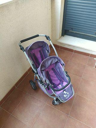 Carrito de bebés doble de juguete