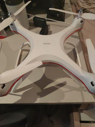 Dron STRATUS grande