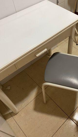 Mesa de cocina extensible con 2 sillas