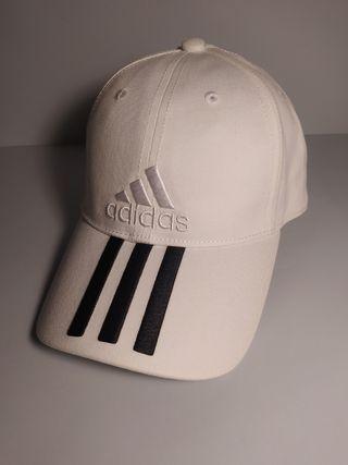 gorra adidas blanca con bandas en negro mujer one