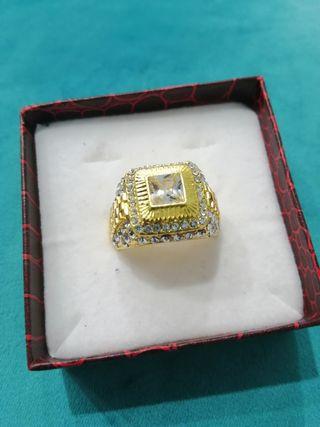 anillo golfied y piedras