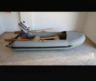 Barca tipo zodiac semi nueva