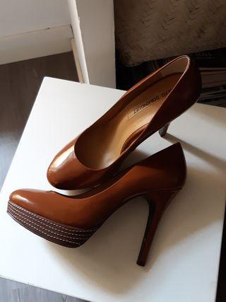 Zapatos tacón Adolfo Dominguez 37