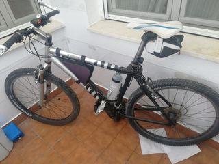 """Bicicleta de montaña """"GIANT"""""""